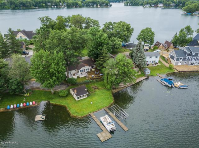 10817 Long Point Drive, Plainwell, MI 49080 (MLS #18029151) :: Matt Mulder Home Selling Team