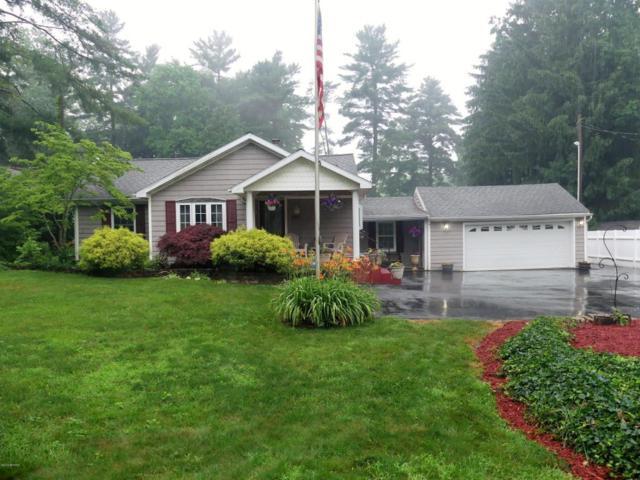 809 Tomahawk Lane, Niles, MI 49120 (MLS #18029178) :: Matt Mulder Home Selling Team