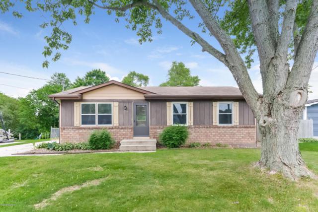 1019 Greenwood Street, Middleville, MI 49333 (MLS #18029184) :: Matt Mulder Home Selling Team