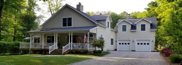2431 Maple Avenue, Coloma, MI 49038 (MLS #18030152) :: Carlson Realtors & Development