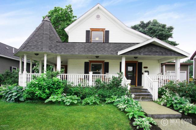413 N Gaylord Avenue, Ludington, MI 49431 (MLS #18030326) :: Deb Stevenson Group - Greenridge Realty