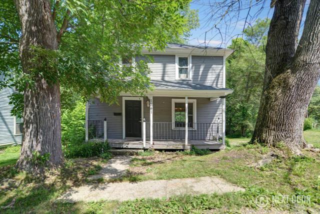 1841 Maple Court, Kalamazoo, MI 49001 (MLS #18030610) :: Carlson Realtors & Development