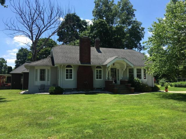 304 W Hamilton Street, Berrien Springs, MI 49103 (MLS #18030658) :: Carlson Realtors & Development