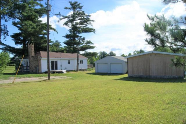 6464 S 130th Avenue, Stanwood, MI 49346 (MLS #18030820) :: Carlson Realtors & Development