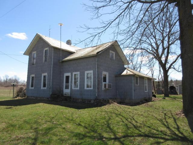 1696 E Sessions Road, Sheridan, MI 48884 (MLS #18031052) :: 42 North Realty Group