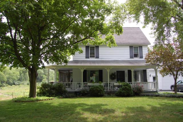 1952 SW Kenowa Avenue SW, Grand Rapids, MI 49534 (MLS #18031325) :: 42 North Realty Group