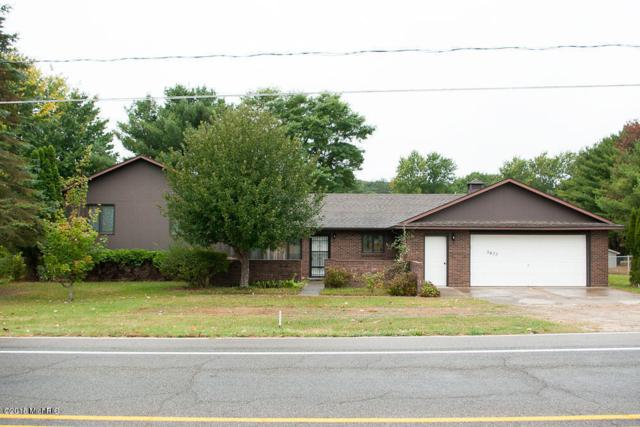 5433 S Croton Hardy Drive, Newaygo, MI 49337 (MLS #18031600) :: Carlson Realtors & Development