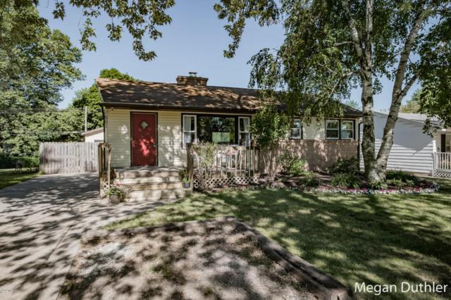 561 Parkside Avenue NW, Grand Rapids, MI 49534 (MLS #18031966) :: 42 North Realty Group