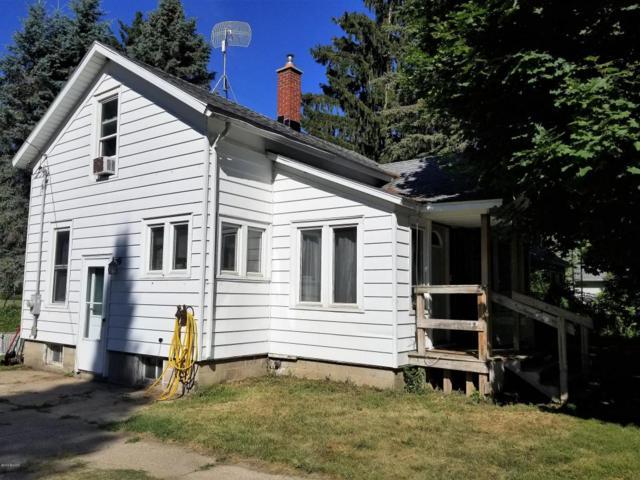 430 Sherman Avenue, Lakeview, MI 48850 (MLS #18032650) :: Deb Stevenson Group - Greenridge Realty