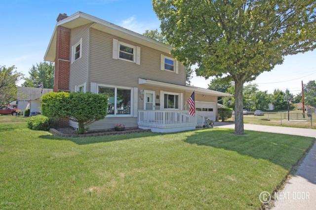 110 E Tinkham Avenue, Ludington, MI 49431 (MLS #18032997) :: Deb Stevenson Group - Greenridge Realty