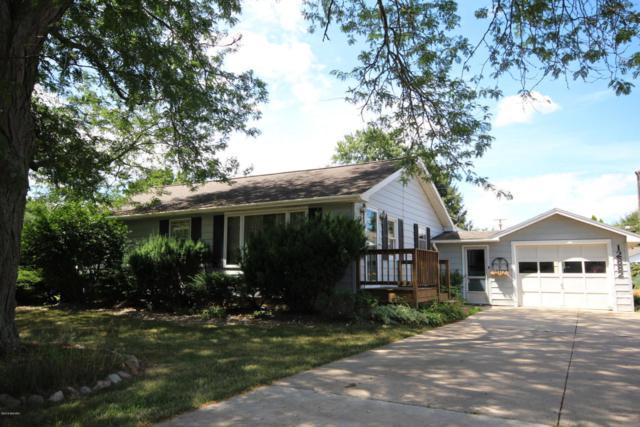 12882 Chapman Street, Vicksburg, MI 49097 (MLS #18033861) :: Matt Mulder Home Selling Team
