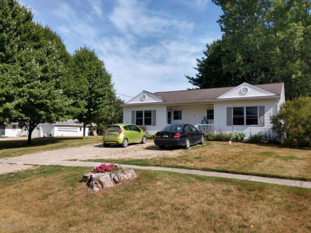 119 Main Street, Blanchard, MI 49310 (MLS #18034328) :: Deb Stevenson Group - Greenridge Realty