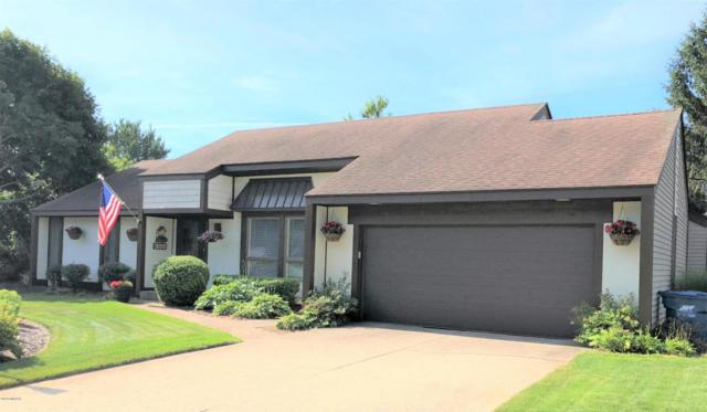 17535 Hiawatha Drive, Spring Lake, MI 49456 (MLS #18034372) :: 42 North Realty Group