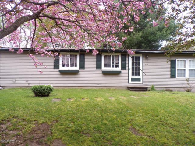 614 Ridge Road Road, Paw Paw, MI 49079 (MLS #18036018) :: Carlson Realtors & Development