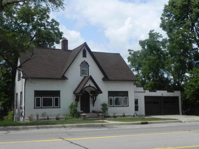 611 N Kalamazoo Street, Paw Paw, MI 49079 (MLS #18036333) :: Carlson Realtors & Development