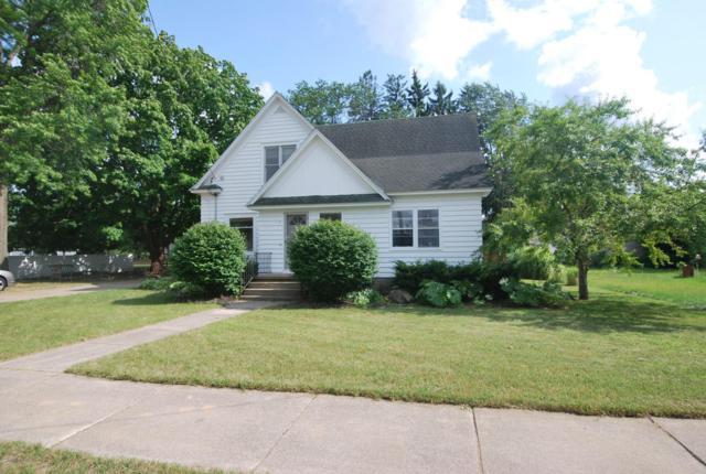 115 W Fennville Street, Fennville, MI 49408 (MLS #18036563) :: Deb Stevenson Group - Greenridge Realty