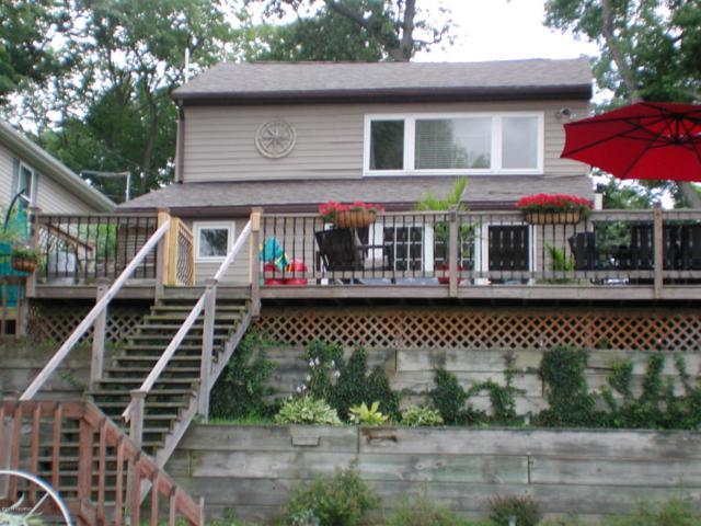 16377 Parker Street, Decatur, MI 49045 (MLS #18037082) :: Carlson Realtors & Development