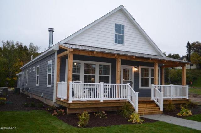 80 Pine Street #2, Manistee, MI 49660 (MLS #18037239) :: Deb Stevenson Group - Greenridge Realty