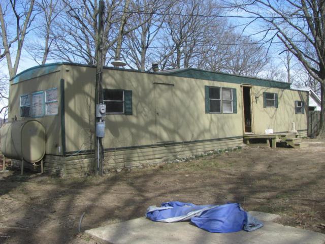 1392 Cherokee Drive, Union City, MI 49094 (MLS #18037379) :: Deb Stevenson Group - Greenridge Realty