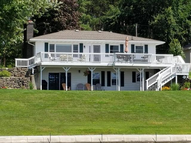 1741 iroquois Trail, Hastings, MI 49058 (MLS #18037608) :: Carlson Realtors & Development
