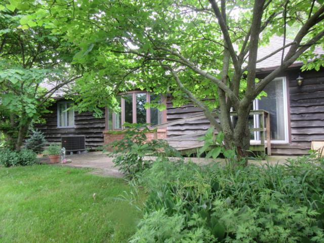 16015 Madron Lake Road, Buchanan, MI 49107 (MLS #18038883) :: Carlson Realtors & Development