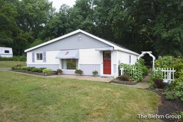 313 6 Mile Road NE, Comstock Park, MI 49321 (MLS #18038885) :: Matt Mulder Home Selling Team