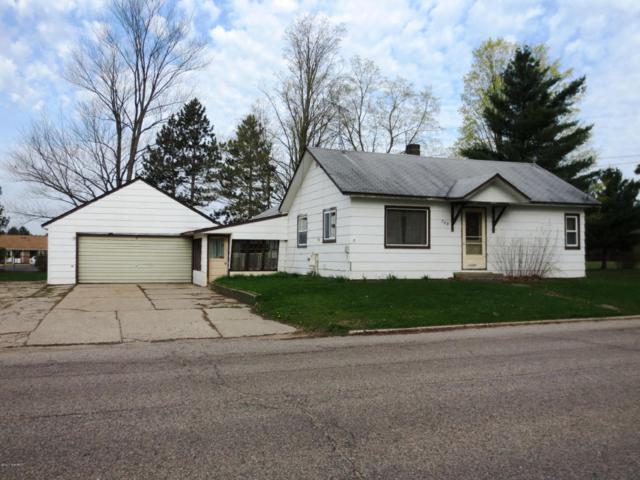 709 N Cedar Street, Evart, MI 49631 (MLS #18039650) :: JH Realty Partners