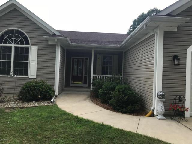9689 W P Avenue, Kalamazoo, MI 49009 (MLS #18040068) :: Matt Mulder Home Selling Team