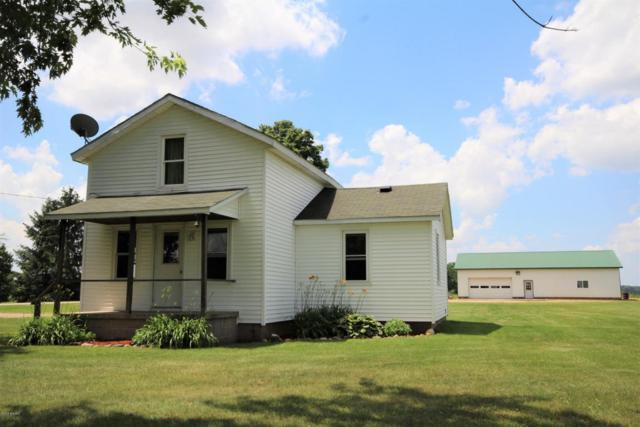 50980 Silver Street, Vicksburg, MI 49097 (MLS #18040422) :: Matt Mulder Home Selling Team