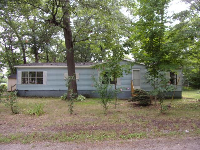 90 Circle Drive, Muskegon, MI 49442 (MLS #18040740) :: Carlson Realtors & Development