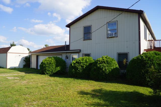 2550 S Hillsdale Road, Hillsdale, MI 49242 (MLS #18042302) :: Deb Stevenson Group - Greenridge Realty