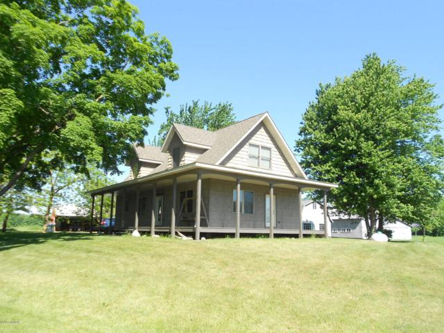 842 W Sippy Road, Scottville, MI 49454 (MLS #18042444) :: Deb Stevenson Group - Greenridge Realty