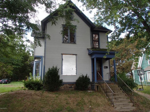 401 Bidwell Street, Albion, MI 49224 (MLS #18042829) :: Carlson Realtors & Development