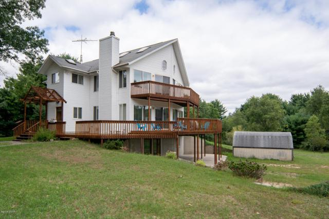 1680 S Locust Avenue, White Cloud, MI 49349 (MLS #18043231) :: JH Realty Partners