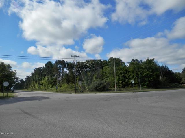 1916 Bendon Road, Interlochen, MI 49643 (MLS #18043400) :: Deb Stevenson Group - Greenridge Realty