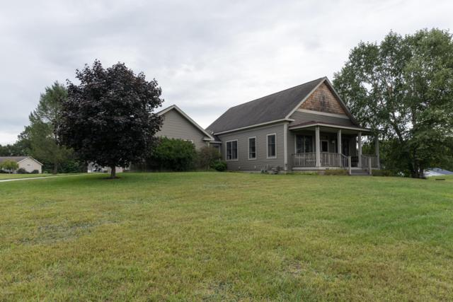 5490 Dalton Ridge Ridge, Fennville, MI 49408 (MLS #18044236) :: JH Realty Partners