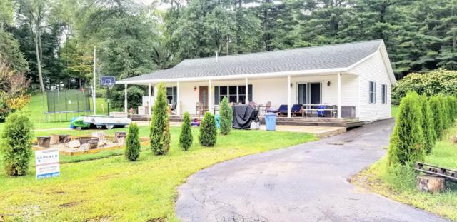69221 Douglas Drive, Paw Paw, MI 49079 (MLS #18044287) :: Carlson Realtors & Development