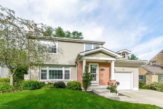 1555 Lake Grove Avenue SE, East Grand Rapids, MI 49506 (MLS #18044660) :: Carlson Realtors & Development
