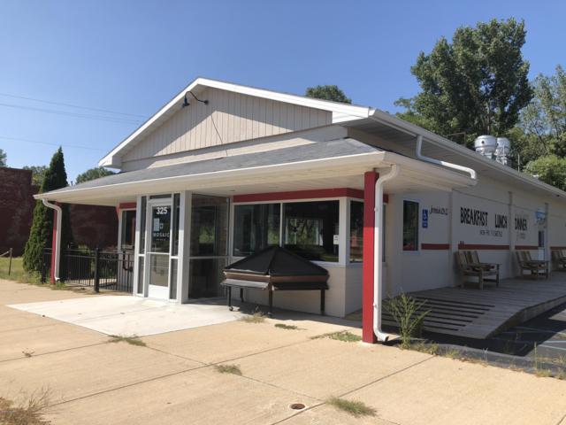 325 W Main Street, Benton Harbor, MI 49022 (MLS #18045080) :: Carlson Realtors & Development