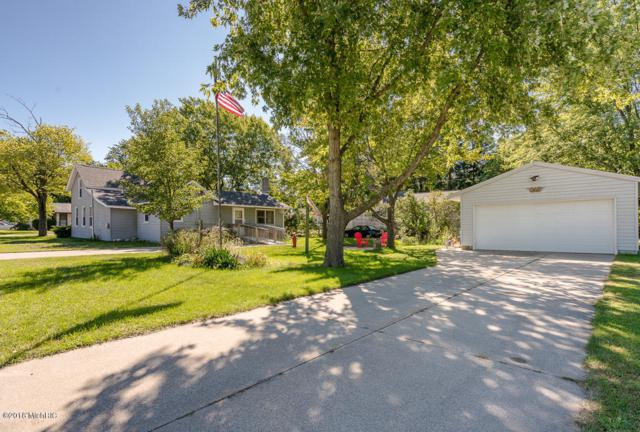 335 Maple Street, Spring Lake, MI 49456 (MLS #18045216) :: JH Realty Partners