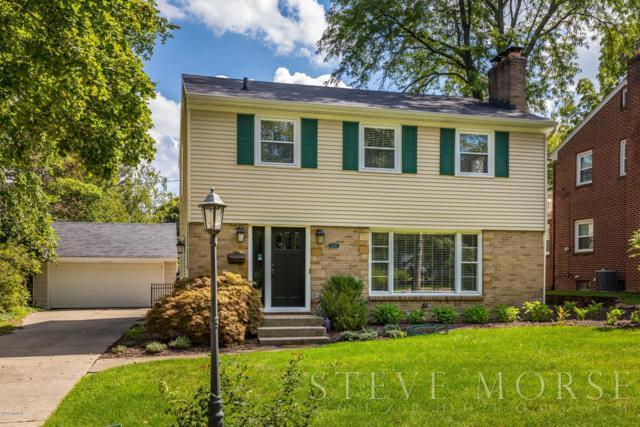 1532 Ridgewood Avenue SE, East Grand Rapids, MI 49506 (MLS #18045305) :: Carlson Realtors & Development