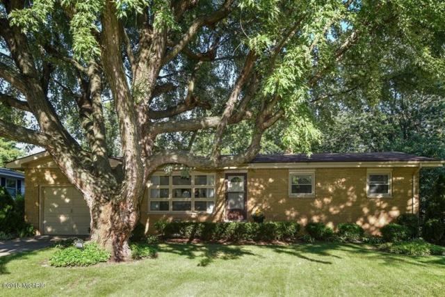 2227 Lynn Drive, St. Joseph, MI 49085 (MLS #18045399) :: Carlson Realtors & Development