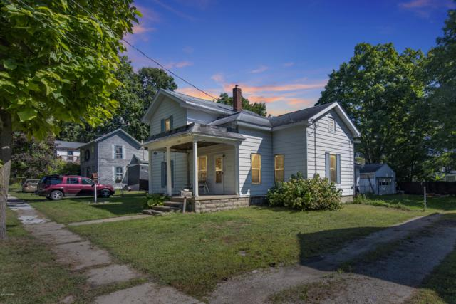 524 S Canal St Street, Eaton Rapids, MI 48827 (MLS #18045457) :: Deb Stevenson Group - Greenridge Realty