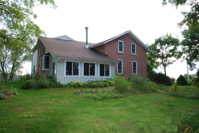 6355 W Hickory Road, Hickory Corners, MI 49060 (MLS #18045675) :: Deb Stevenson Group - Greenridge Realty