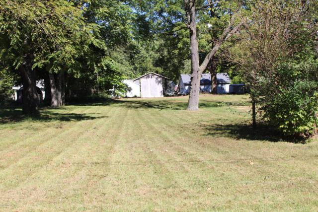 207 Sherwood Street, Dowagiac, MI 49047 (MLS #18045805) :: Deb Stevenson Group - Greenridge Realty
