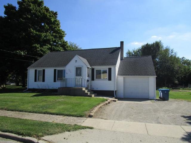 425 Union Street, Bronson, MI 49028 (MLS #18045830) :: Deb Stevenson Group - Greenridge Realty