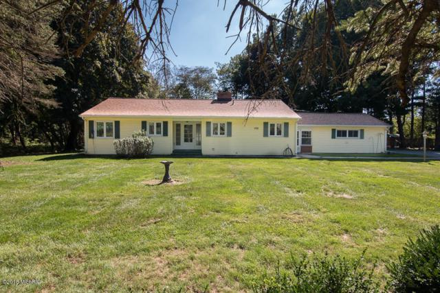 2294 Vw Avenue E, Vicksburg, MI 49097 (MLS #18045837) :: Carlson Realtors & Development