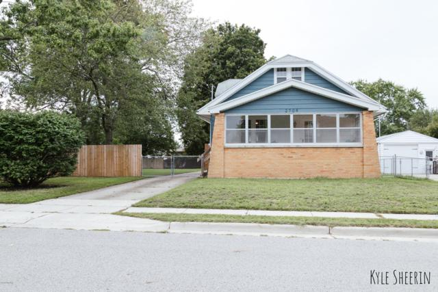 2709 Avon Avenue SW, Wyoming, MI 49519 (MLS #18046174) :: Carlson Realtors & Development