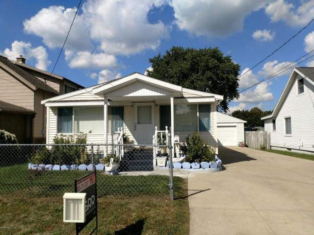 1305 Walnut Street NE, Grand Rapids, MI 49503 (MLS #18046191) :: Carlson Realtors & Development