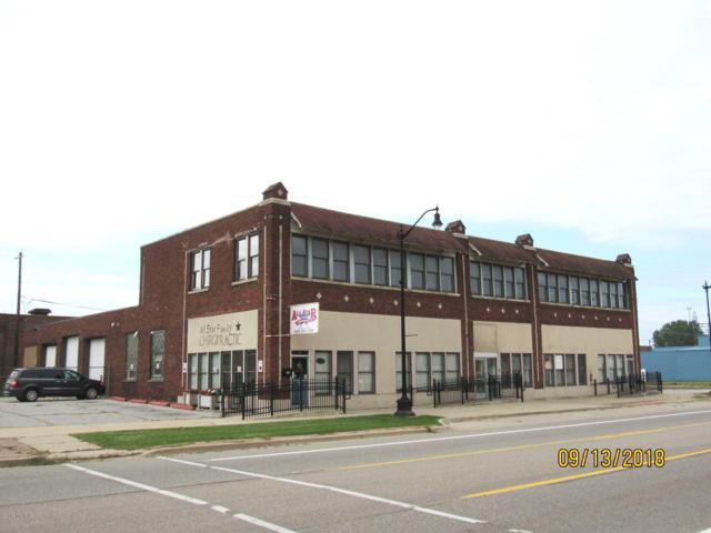 204 W Main Street, Benton Harbor, MI 49022 (MLS #18046257) :: Carlson Realtors & Development